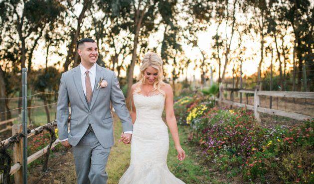 10 Romantic Outdoor Wedding Venues: Romantic, Pretty, Feminine Garden Outdoor Wedding Venue
