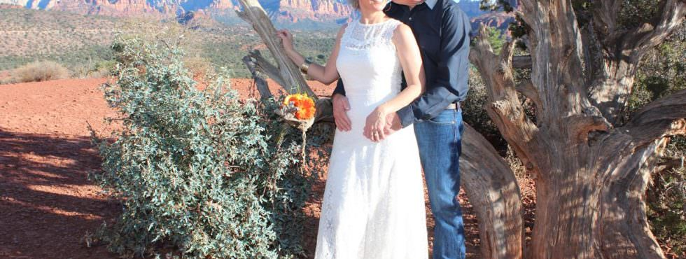 The Sedona Wedding of Christina and John at Lover's Knoll