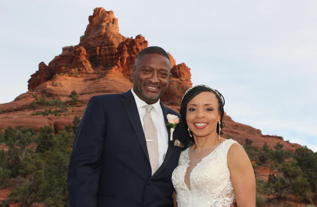 marriage-kimberly-derrick-sedona-destination-weddings