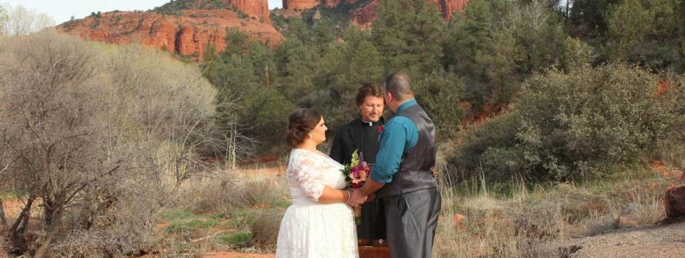 The Sedona Wedding of Kelly and Edward at Red Rock Crossing