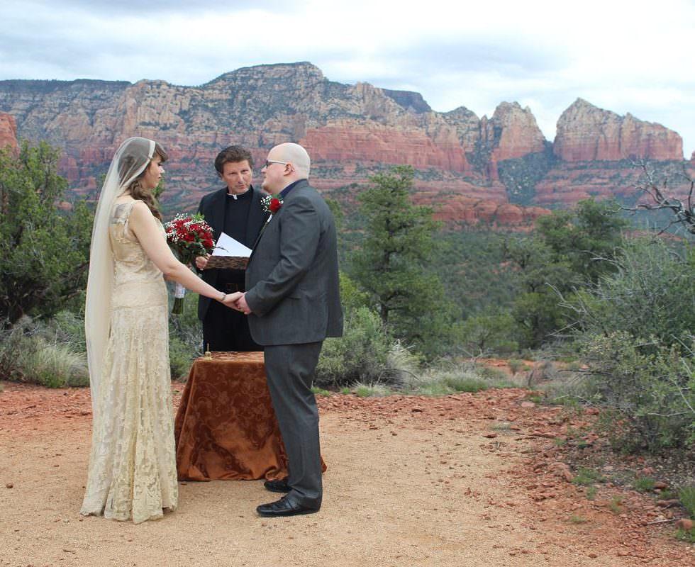 The Sedona Wedding of Ariana and Tom at Magic Vista