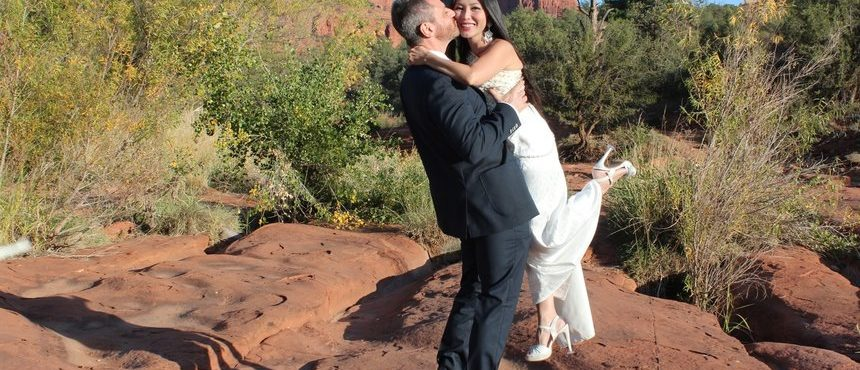 Marc & Sara's Sedona Wedding at Red Rock Crossing